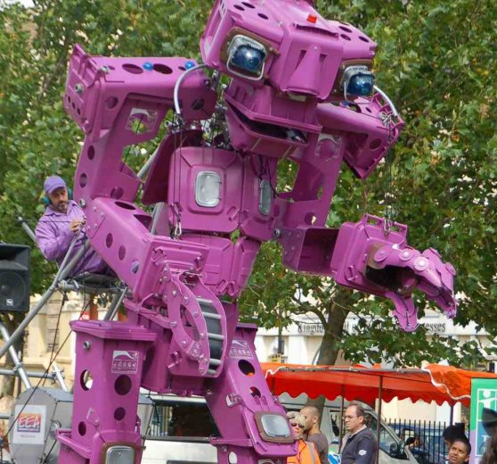 Giant Walkabout Robot