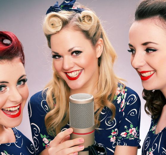 Female Vintage Acapella Trio