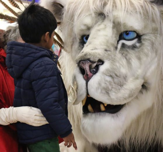 Giant Snow Lion - Christmas Entertainment
