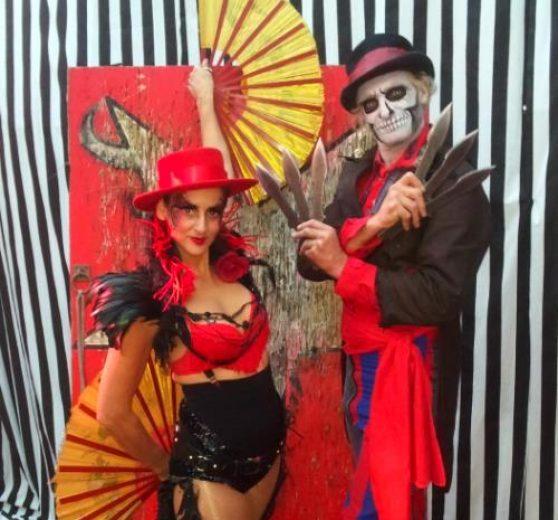Bizarre Old School Circus Show