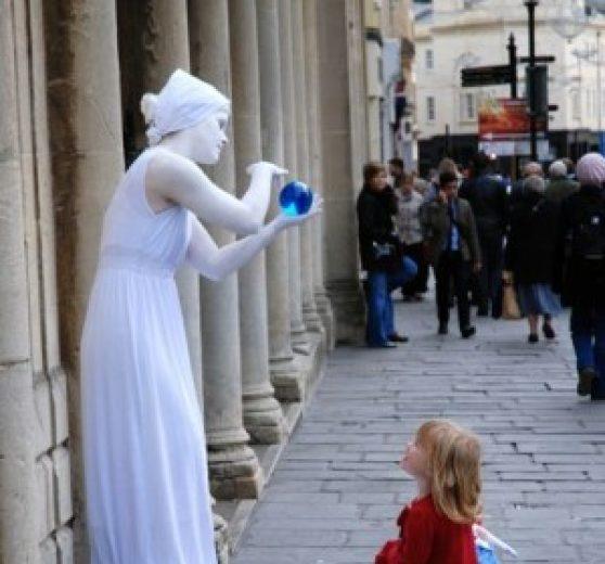 Contact Juggling Living Statue